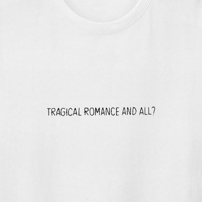 Camiseta Bordada Tragical Romance